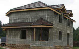 Монолитный дом из пенобетона: плюсы, минусы и способы стройки