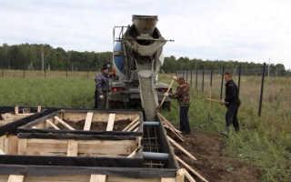 Как заливать бетон с миксера: техника, преимущества и недостатки