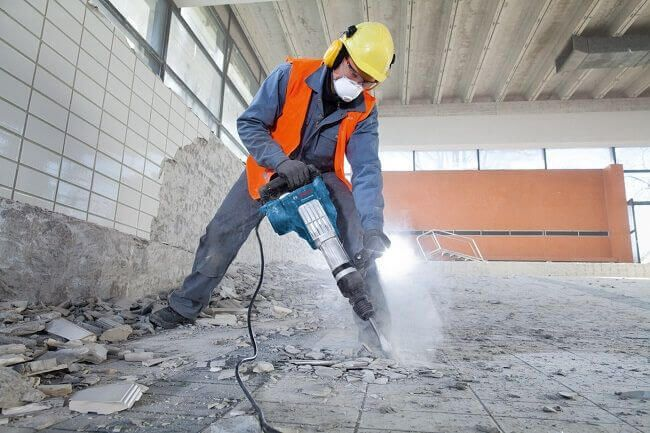 Ударный метод демонтажа стяжки