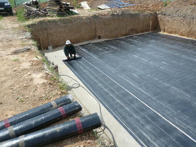 Рулонная гидроизоляция для монолитной плиты на подбетонке