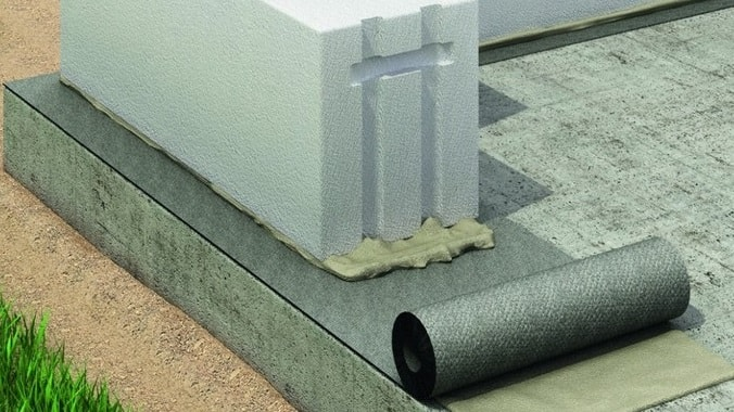 Горизонтальная гидроизоляция фундамента и газобетона