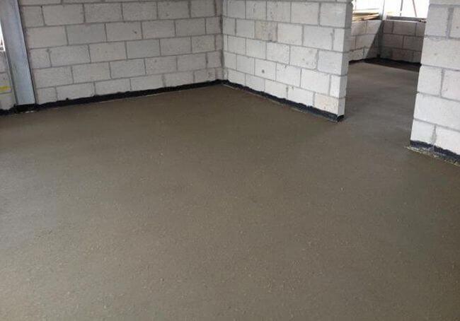 Готовая стяжка пола по бетону