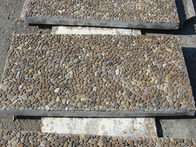 Готовая плитка из мытого бетона