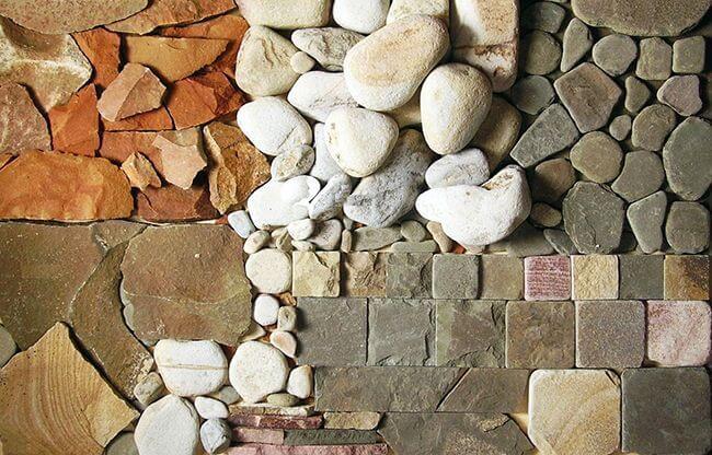 Искусственные декоративные камни можно изготовить из многих материалов