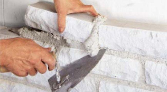 Известковые растворы используют для кладки кирпича
