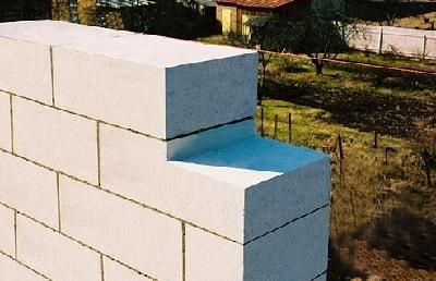 Кладка газобетонной стены