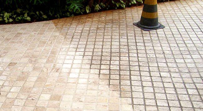 Очистка тротуарной плитки