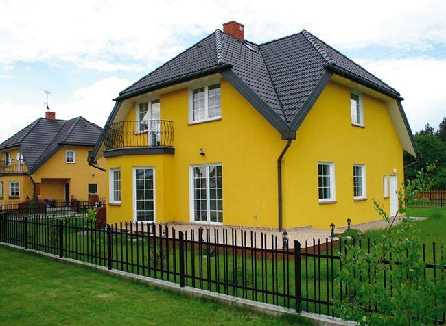 Дом, покрытый краской