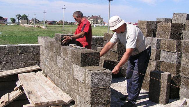 Арболитовые блоки широко применяются при строительстве малоэтажных зданий