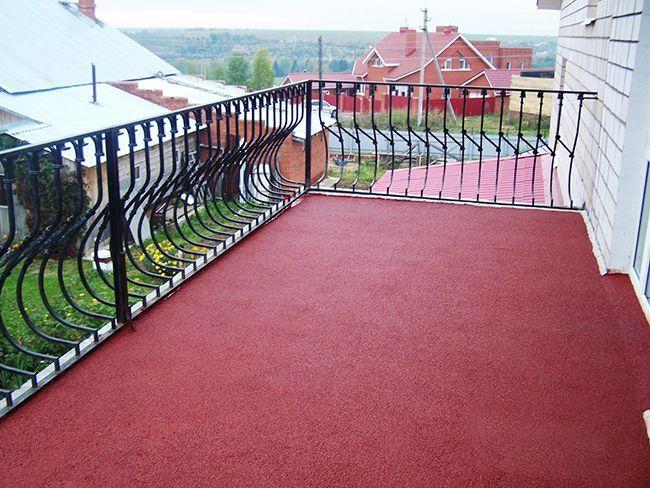 Балкон, покрытый резиновой краской