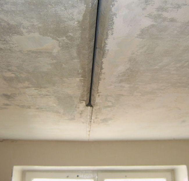 Руст между потолочными плитами перекрытия