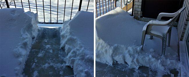 Снег на балконе