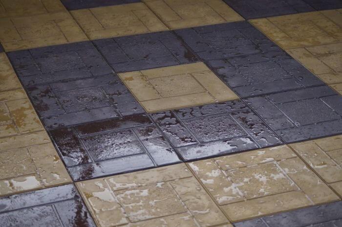 Уложенная полимерпесчаная плитка
