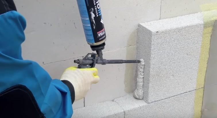 Монтаж газобетона на пену